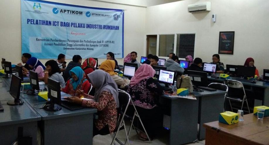 Pelatihan ICT APTIKOM UNIKAMA